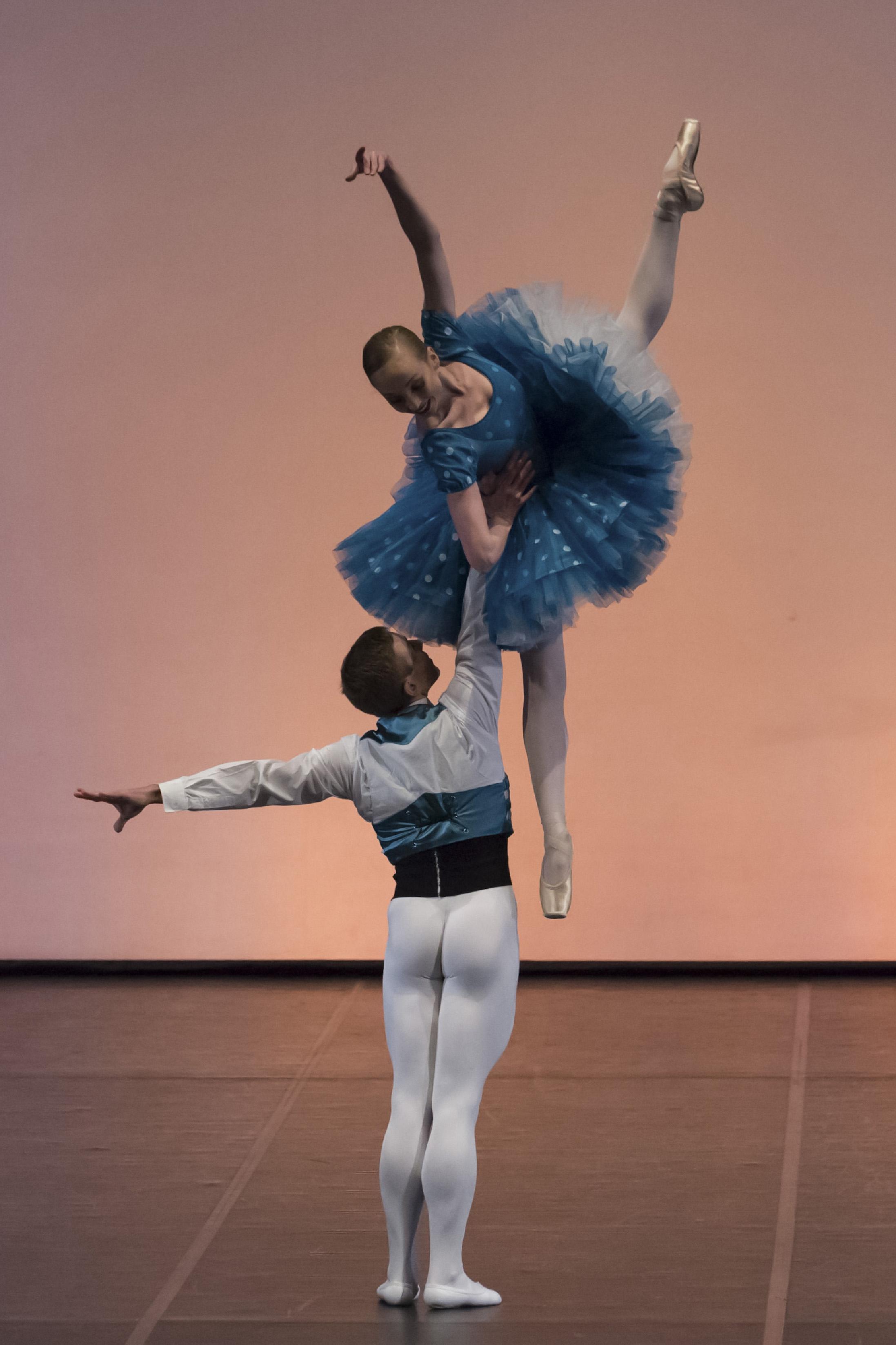 Anna Merkulova e Jon Vallejo